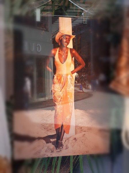 ガラスの中の女たち(1980)_b0190540_07331888.jpg