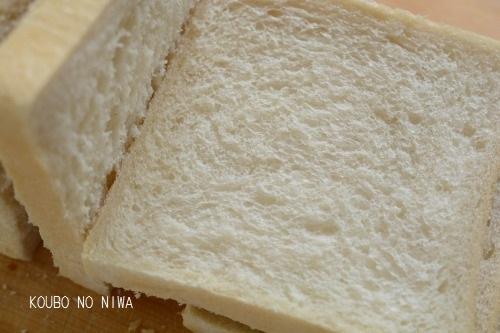食パンを焼き続ける_f0329586_11183547.jpg
