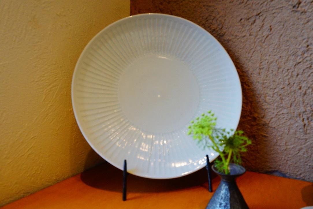 新着のお皿のご紹介_b0132442_17181664.jpg