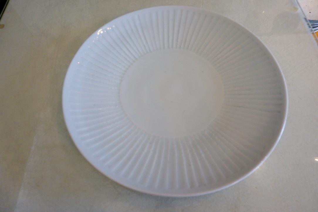 新着のお皿のご紹介_b0132442_17181994.jpg