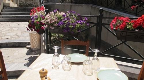 サフィニアが美しい夏_f0037264_22475981.jpg