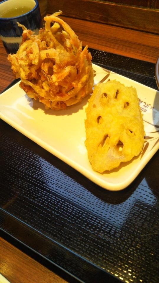 スーパーフライデーで丸亀製麺のうどん無料最終日!追加で4品頼んで堪能するの巻_f0076001_23044231.jpg