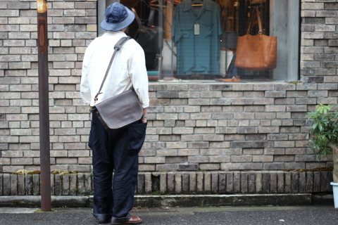 "「VASCO」経年変化も楽しめる ""CANVAS×LEATHER MAIL BAG\"" ご紹介_f0191324_07384712.jpg"
