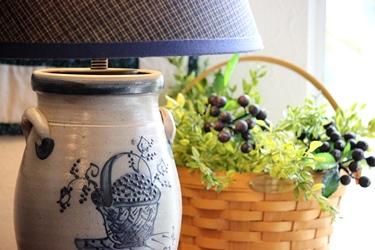 Rowe Pottery のポタリーのジャーをランプに_f0161543_1695086.jpg