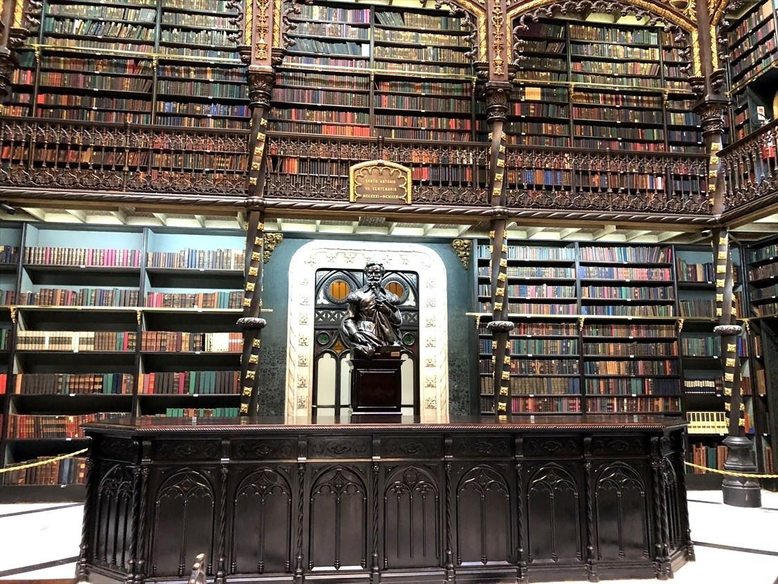 """中南米の旅/48  ハリーポッターの世界 \""""幻想図書館""""@リオ_a0092659_15582722.jpg"""