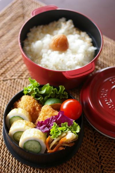 今日の白身魚フライ弁当と高知流ちくわきゅうり_d0327373_07344859.jpg
