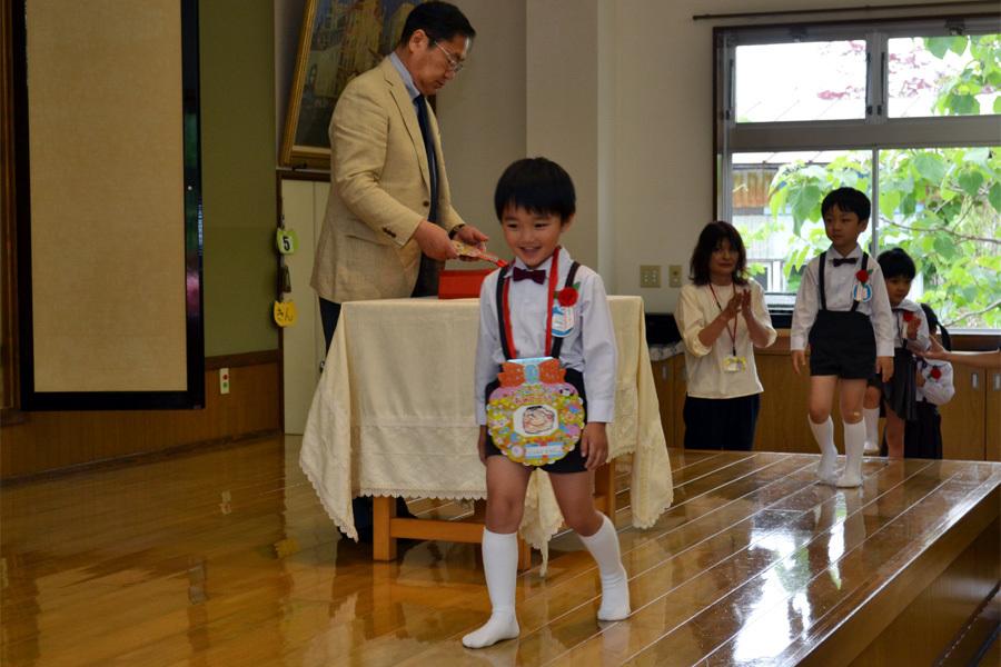 上宮第二幼稚園「お誕生会」 _d0353789_14595957.jpg