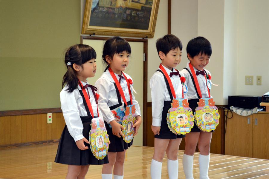 上宮第二幼稚園「お誕生会」 _d0353789_15001094.jpg