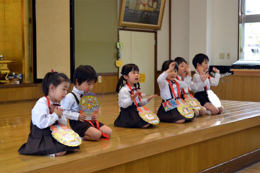 上宮第二幼稚園「お誕生会」 _d0353789_15002061.jpg