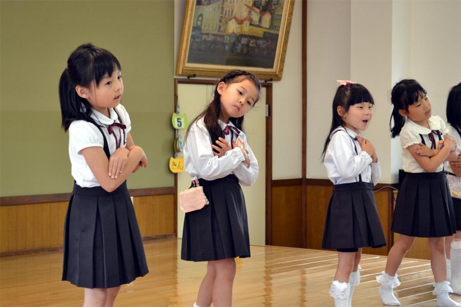上宮第二幼稚園「お誕生会」 _d0353789_15003356.jpg