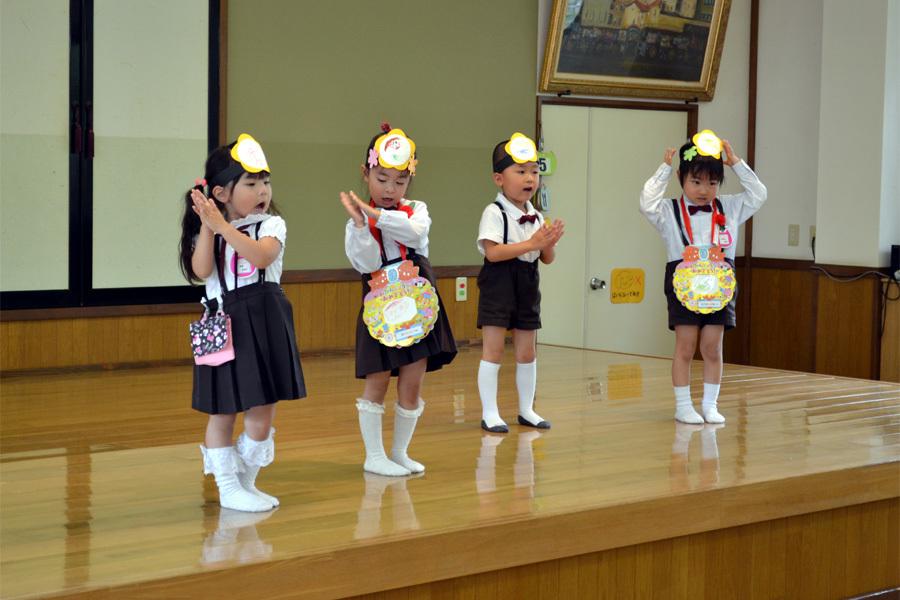 上宮第二幼稚園「お誕生会」 _d0353789_15005987.jpg