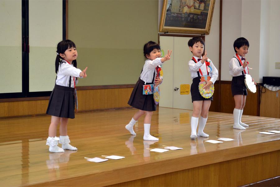 上宮第二幼稚園「お誕生会」 _d0353789_15010796.jpg