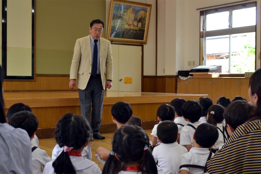 上宮第二幼稚園「お誕生会」 _d0353789_15012072.jpg
