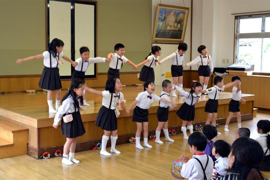 上宮第二幼稚園「お誕生会」 _d0353789_15013019.jpg