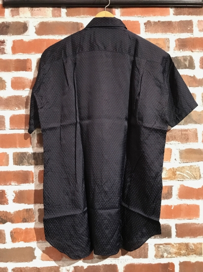 ""\""""SHIRTS"""" Selection by COMME des GARCONS._c0079892_18302639.jpg""412|550|?|en|2|961812e3b349d73907baf9e0fff0502f|False|UNLIKELY|0.29502445459365845