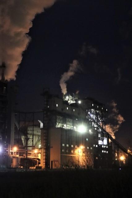 藤田八束の鉄道写真@石巻復興のシンボル日本製紙の夜景、元気に力強さを見せる・・・昼間の姿も素晴らしい、この姿が復興のシンボルだ_d0181492_09514873.jpg