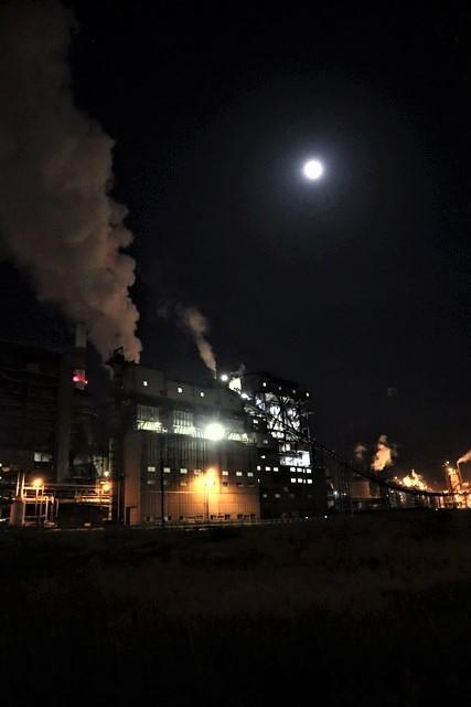 藤田八束の鉄道写真@石巻復興のシンボル日本製紙の夜景、元気に力強さを見せる・・・昼間の姿も素晴らしい、この姿が復興のシンボルだ_d0181492_09523081.jpg