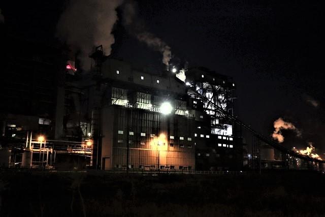 藤田八束の鉄道写真@石巻復興のシンボル日本製紙の夜景、元気に力強さを見せる・・・昼間の姿も素晴らしい、この姿が復興のシンボルだ_d0181492_09524478.jpg