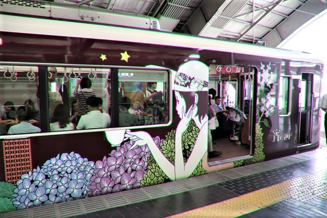 藤田八束の鉄道写真@可愛い阪急電車、阪急電車に新しいラッピング登場・・・子供たちに素敵な街づくり未来と希望_d0181492_22183051.jpg