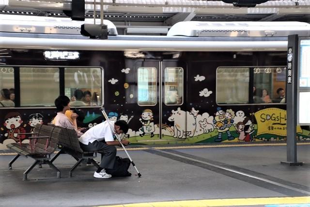 藤田八束の鉄道写真@阪急電車に楽しいラッピング、子供たちの未来が素敵な阪急電車・・・阪神電車にも登場_d0181492_22272134.jpg