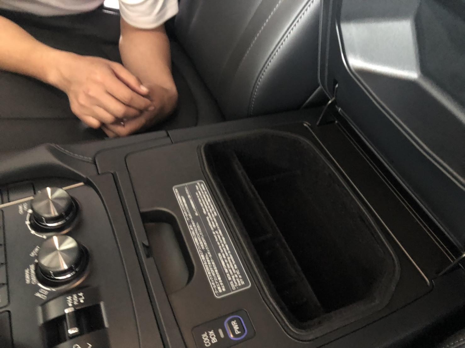 6月2日(日)♛クラウンK様&LX450DI様納車♛ランクル レクサス ベンツ⊛TOMMY⊛_b0127002_18155212.jpg