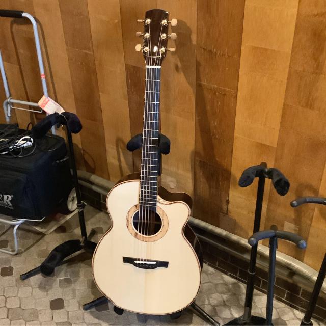 平光ギター新作試し斬りとMartin D-35 1967年に唸る。_a0334793_18335152.jpg