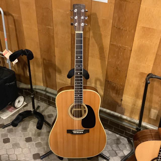 平光ギター新作試し斬りとMartin D-35 1967年に唸る。_a0334793_18583662.jpg