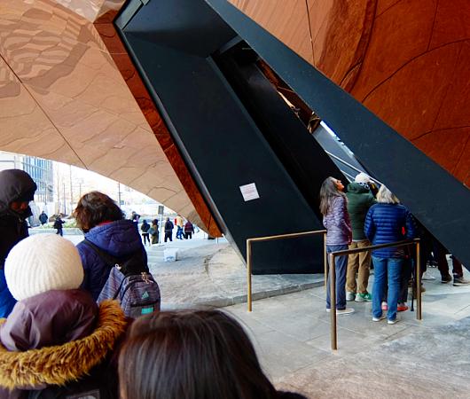NYの新名所、体験型パブリック・アート兼スペースの『ヴェッセル』入口編_b0007805_22193431.jpg