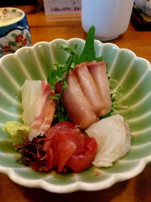 東京・新橋 「活魚料理ととや」 美味!刺身三点盛定食_c0362623_20210236.jpg