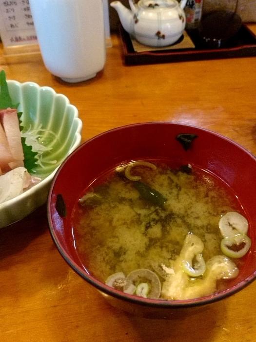 東京・新橋 「活魚料理ととや」 美味!刺身三点盛定食_c0362623_20210296.jpg