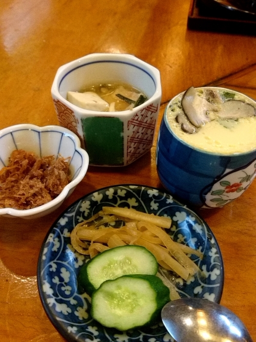 東京・新橋 「活魚料理ととや」 美味!刺身三点盛定食_c0362623_20210365.jpg