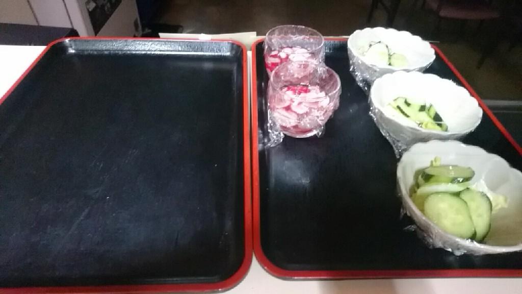 テーオーデパート社員食堂、お休み処セラピアは、すき焼き、浅漬け、酢の物_b0106766_11323231.jpg