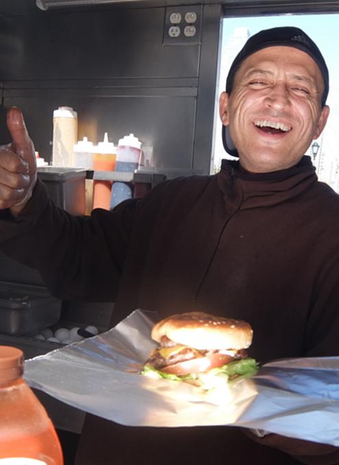 NYで最高のチーズバーガーを6ドルで食べられる屋台_b0007805_07192047.jpg