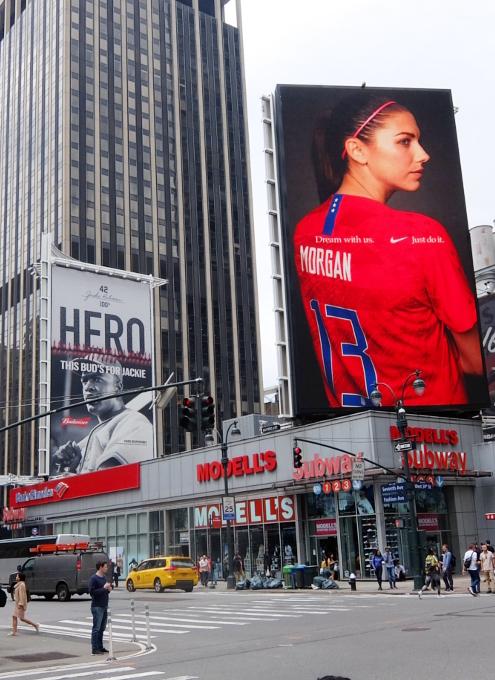 Be the hero you didn\'t have.(君になかったヒーローになろう)_b0007805_23184148.jpg