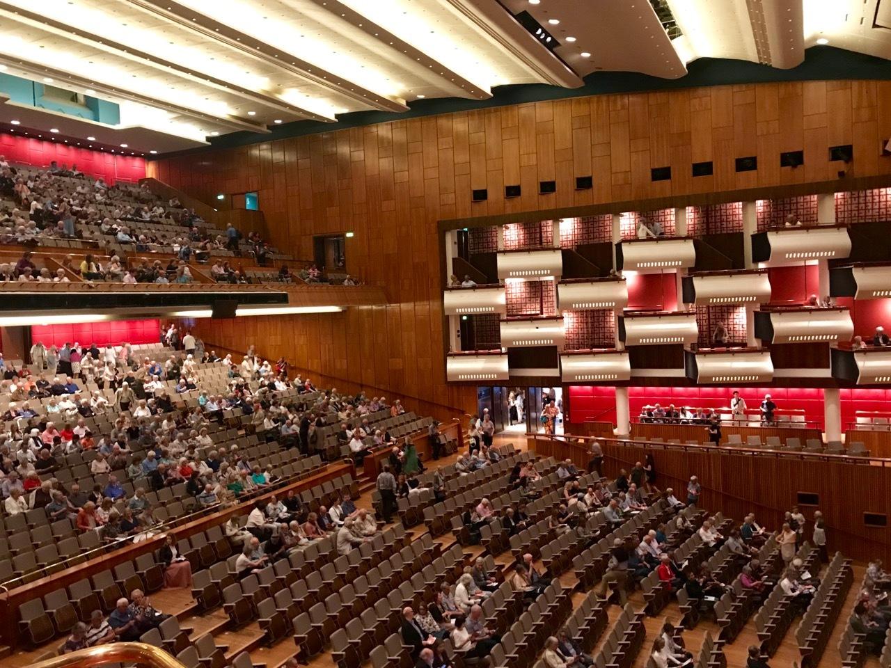 ボックス席でニコラ・ベネディッティのヴァイオリンを楽しむ♪_e0114020_17554641.jpg