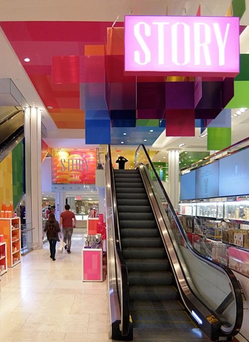 新感覚小売店のストーリー(Story)がMacy\'s店内にオープン!!_b0007805_07030288.jpg