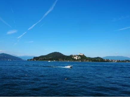 マッジョーレ湖での素晴らしい1日_e0078071_01415801.jpg