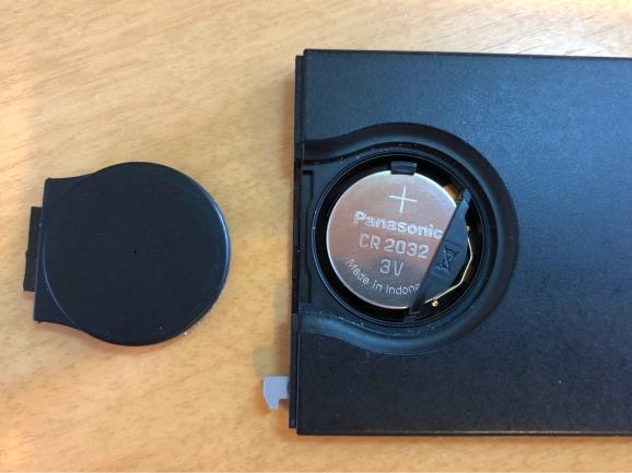 ルーテシア4 カードキー電池交換_f0032891_10295602.jpg