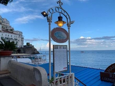 アマルフィの海が見えるリストランテで夕食☆_a0154793_22595337.jpg