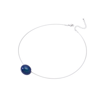 身につける漆 漆のアクセサリー ペンダント あけの実 月あかり色 オメガラウンドコード 坂本これくしょんの艶やかで美しくとても軽い和木に漆塗りのアクセサリー SAKAMOTO COLLECTION wearable URUSHI accessories pendants Akeno Jewel Moon Light Color Omega Cord 小さな小さな玉子のような可愛らしいフォルム、ポロっとこぼれるような雰囲気でつけられるのが印象的、海のきらめきを連想させる爽やかなブルーカラー、フォーマル系の装いからカジュアルなTシャツなどお洋服のお色も選ばずコーディネイトを楽しんでいただけるアイテム。 #ペンダント #あけの実 #月あかり #青いペンダント #軽いペンダント #漆のペンダント #pendants #BluePendants #MoonLight