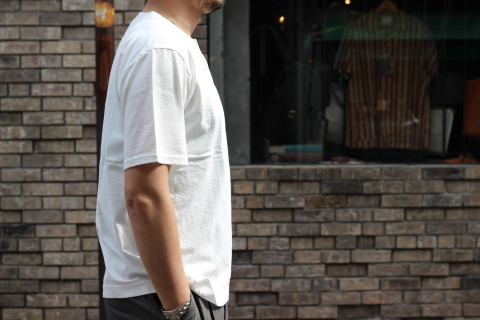 "「Jackman」変則Tシャツ \""Henleyneck T-shirt\"" ご紹介_f0191324_07281558.jpg"