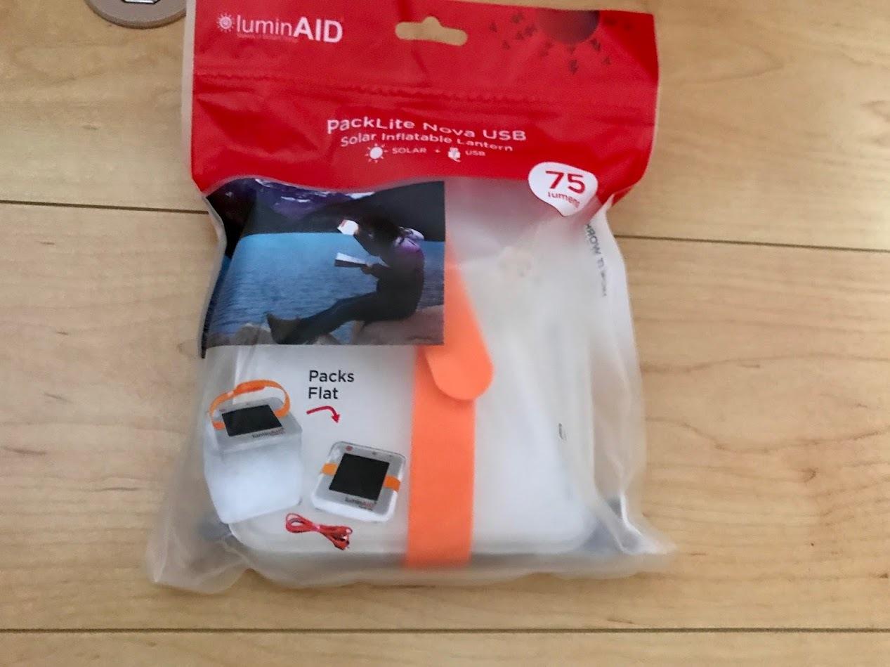 防水型ソーラーランタンLuminAIDを買った。_c0061727_09050421.jpg