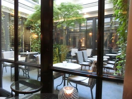 ディナーはホテル内のレストランで 💓 Le Baudelaire_e0303431_17560098.jpg