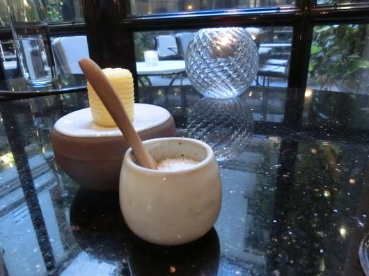 ディナーはホテル内のレストランで 💓 Le Baudelaire_e0303431_18080865.jpg