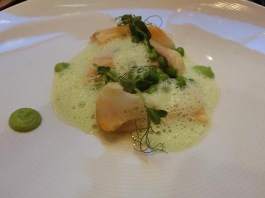 ディナーはホテル内のレストランで 💓 Le Baudelaire_e0303431_18140569.jpg