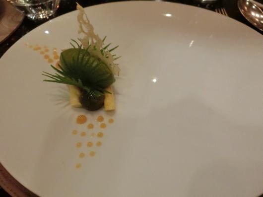 ディナーはホテル内のレストランで 💓 Le Baudelaire_e0303431_18195818.jpg