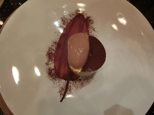 ディナーはホテル内のレストランで 💓 Le Baudelaire_e0303431_18220777.jpg