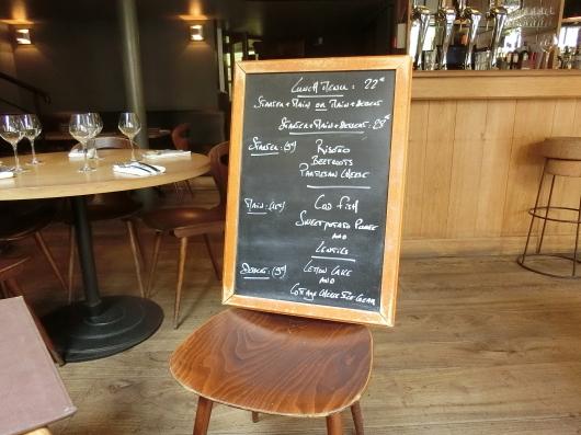Paris メーデー 💓 パリでお気に入りのレストラン Pirouette でランチ_e0303431_20084318.jpg