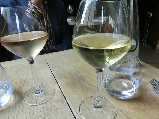 Paris メーデー 💓 パリでお気に入りのレストラン Pirouette でランチ_e0303431_20191538.jpg