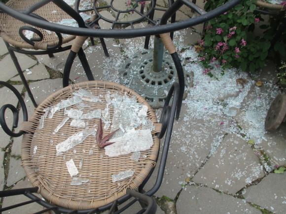 テーブルのガラスが入った&ポタジェのサラダが最高に美味しい(^^♪_a0279743_06564978.jpg